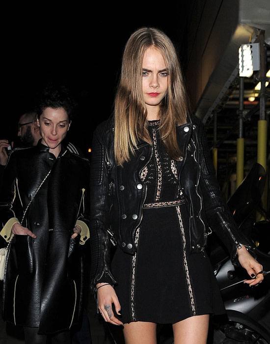 Cara Delevingne and girlfriend St. Vincent spotted last October during the Paris Fashion Week.