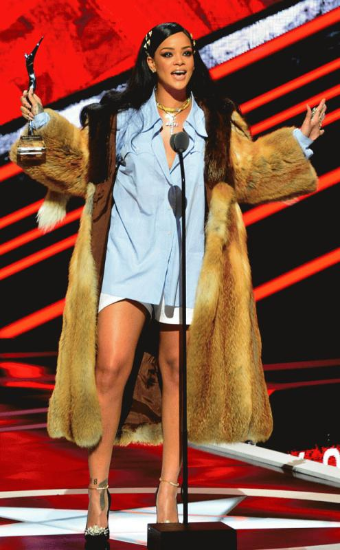"""Rihanna at the """"Black Girls Rock!"""" award as she accepted her Rock Star award on stage."""