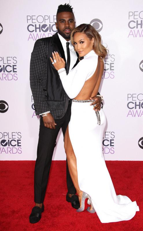 Jason Derulo and then-girlfriend model Daphne Joy in a photo during the 2016 People's Choice Awards.