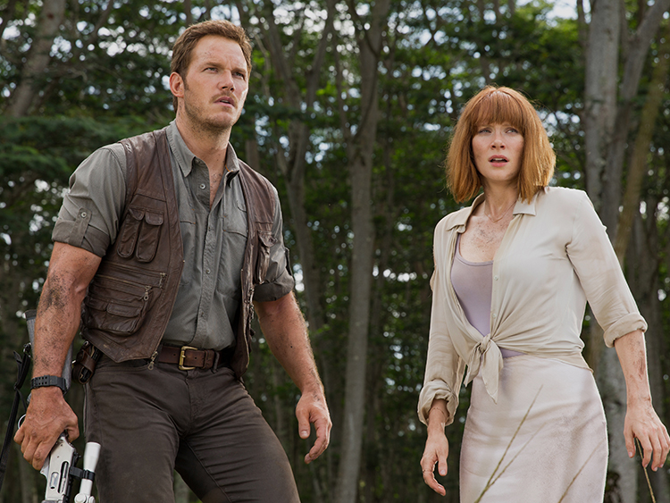 """A still showing Chriss Pratt and Bryce Dallas in one of the scenes of """"Jurassic World."""""""