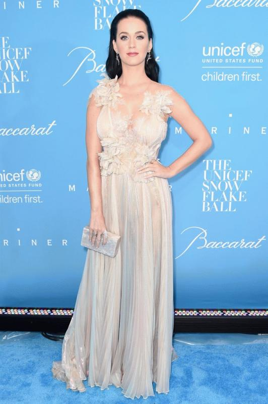 Katy Perry at the UNICEF Snowflake Ball 2016.