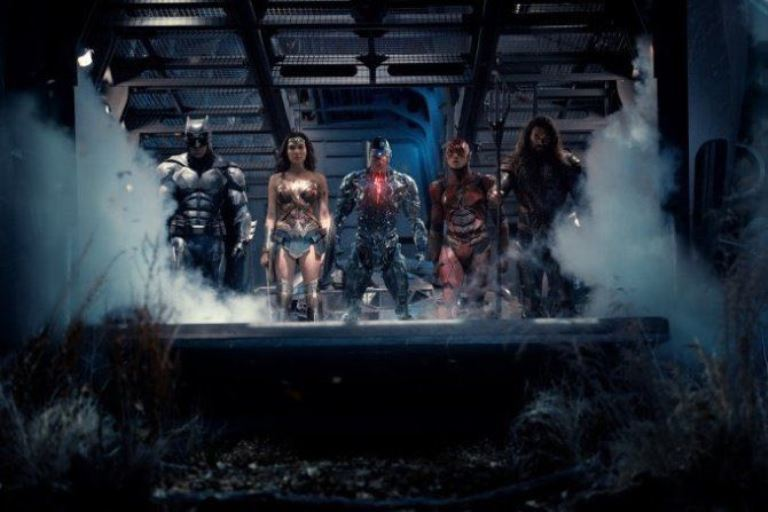 """A new promo photo for """"Justice League"""" surfaced on the internet showing the five superheroes to be featured in the movie sans Superman."""
