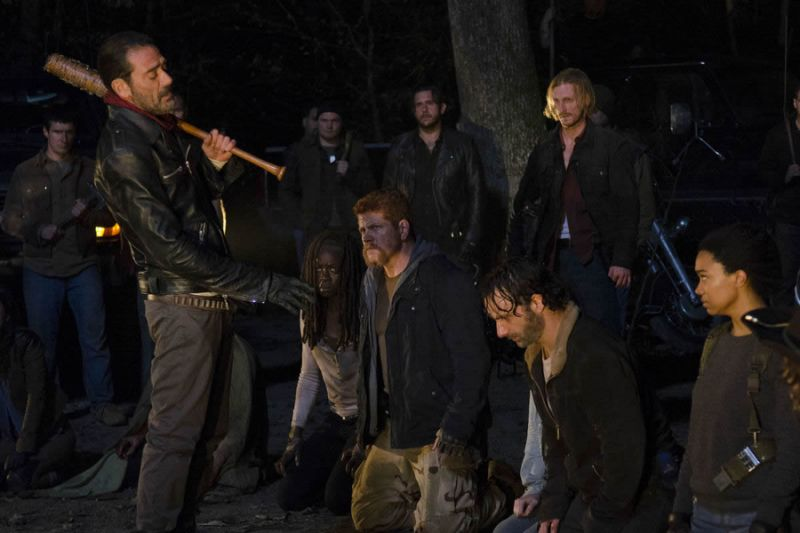 A photo showing Negan and the team of Rick moments before two of its main characters were killed and this scene was dubbed as one of the most violent scenes on the AMC series.